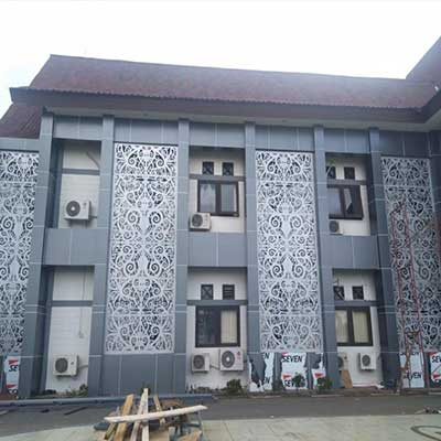 ornamen-metal-gedung